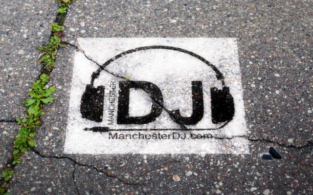 mancheser dj logo, manchesterdj, manchester dj, danstar dj. stevey t, jeff d, party djs